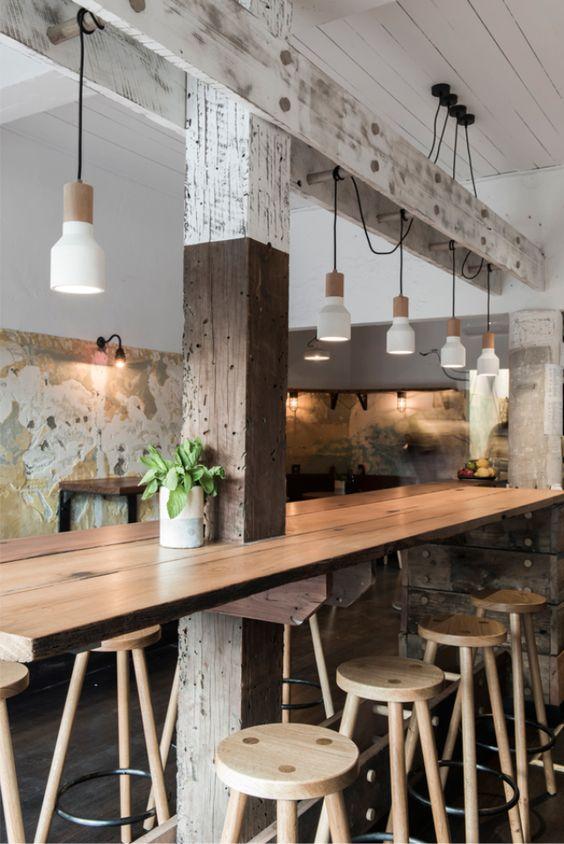 Bàn dài trong thiết kế quán cafe 1