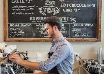Trang trí quán cafe với bảng đen phấn trắng 2