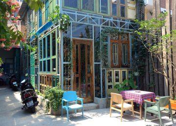 Kujuz Cafe – Căn gác vàng và những ô cửa kính 6